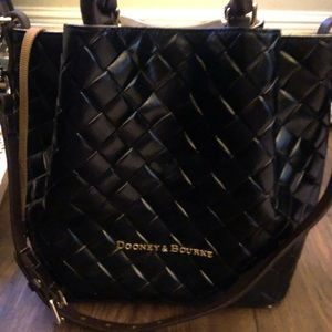 City Woven Large Barlow from Dooney and Bourke